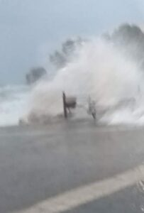 Ιανός – Εικόνες αποκάλυψης στην Πάργα. Η Θάλασσα βγήκε στη στεριά