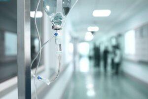Γιατροί: Επίταξη ιδιωτικών νοσοκομείων πριν είναι αργά!