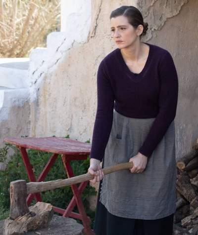 Άγριες Μέλισσες: Μια νέα γυναίκα στη ζωή του Κυπραίου