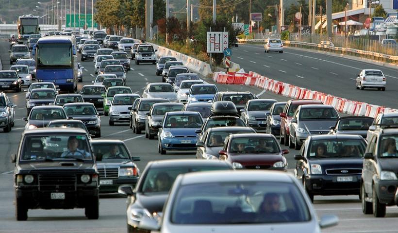 Αύξηση των τελών κυκλοφορίας για τα παλαιά αυτοκίνητα; Όλα τα σενάρια