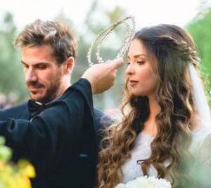 O Άκης Πετρετζίκης ανέβασε φωτογραφίες της γαμοβάφτισης του